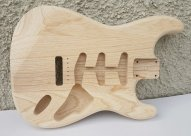 Hosco Strat Body Swamp Ash Unfinished CNC 1.65-69